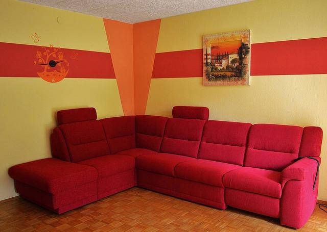 červená rohová sedačka