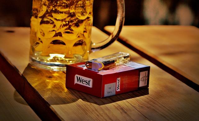 cigarety a zapalovač.jpg