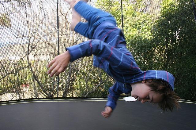 Cviky na trampolíně