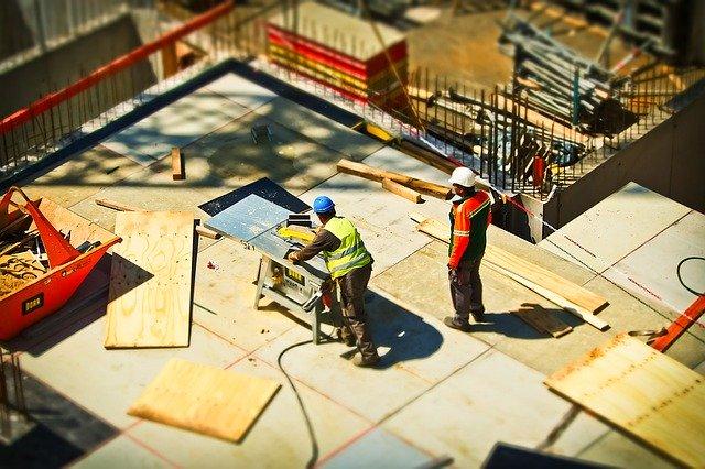 Zaměstnanci ve stavebnictví