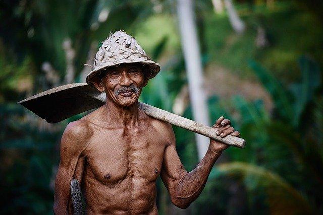 Pracovník s lopatou