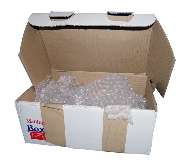 krabice s bublinkovou fólií