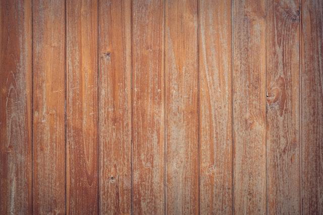 dřevěná prkna, oprýskaná