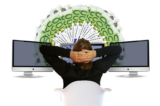 počítač a peníze.jpg